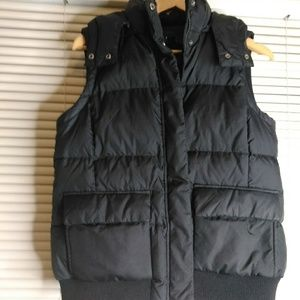 Gap puffer vest hooded